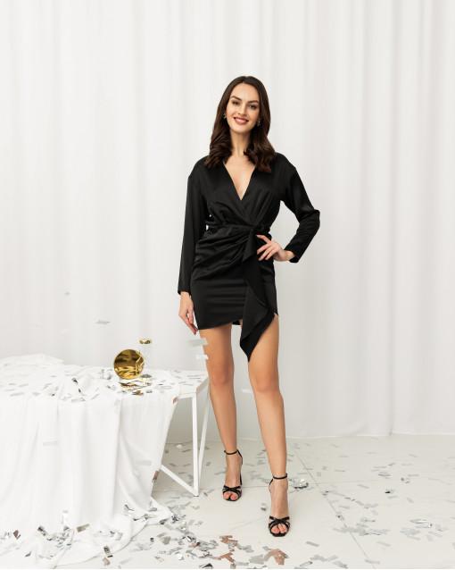 Платье-мини с декольте и сборкой на линии бедер