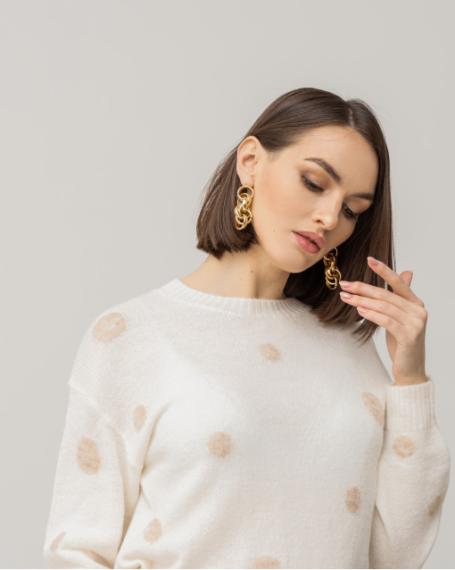 Серьги - гвоздики в виде крупных плетеных колец в золотом цвете металла
