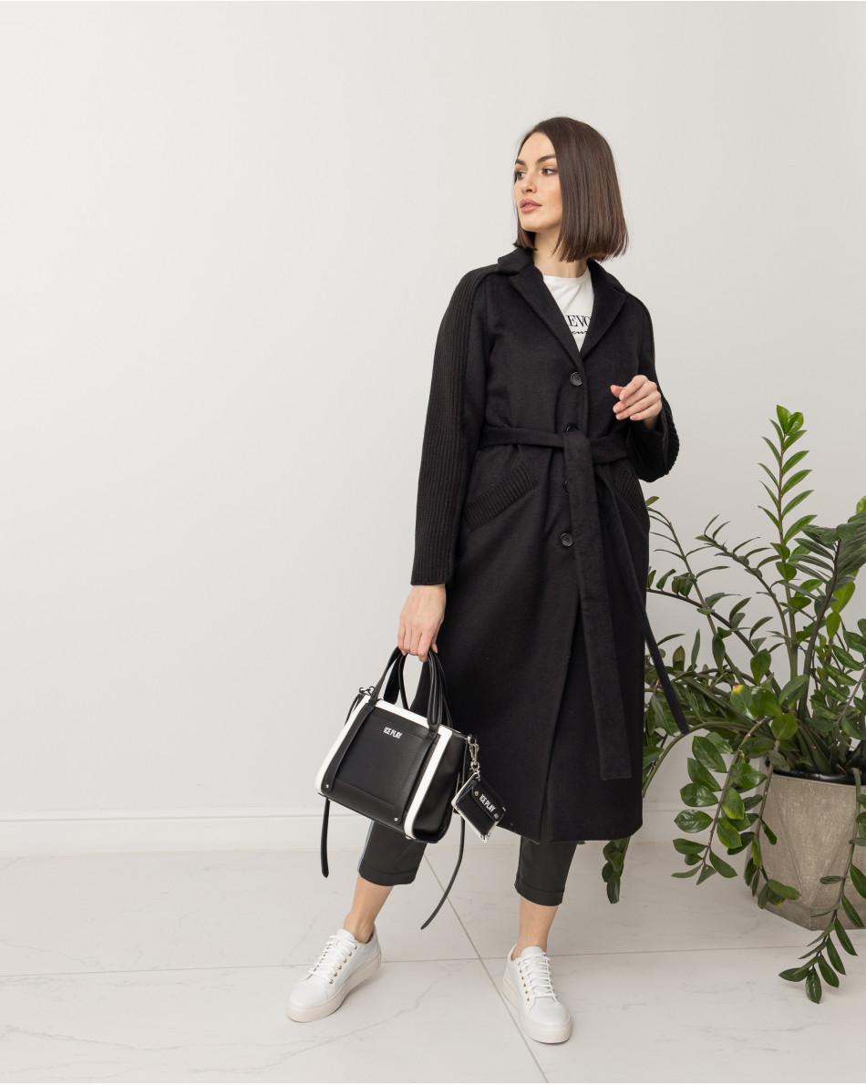 Пальто с трикотажными вставками