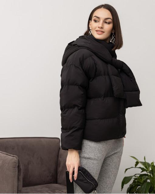 Куртка демисезонная со съемным капюшоном-шарфиком