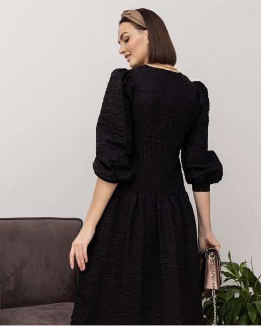 Платье свободного кроя с набивной мерцающей геометрией по полотну