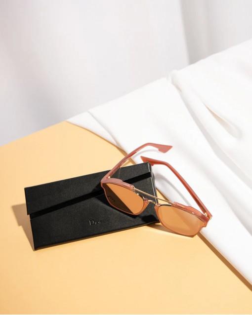 Очки солнцезащитные зеркальные в оправе терракотового цвета