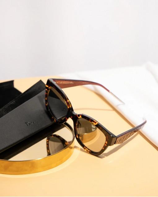 Очки солнцезащитные с зеркальными линзами в оправе анимал + винного цвета с узором