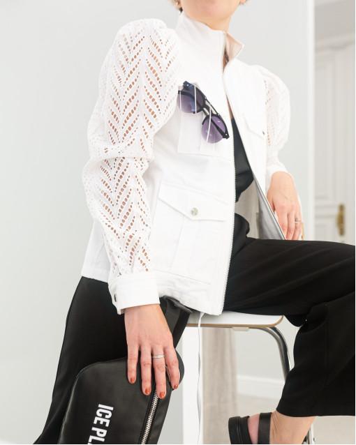 Куртка на клепках с рукавами из шитья