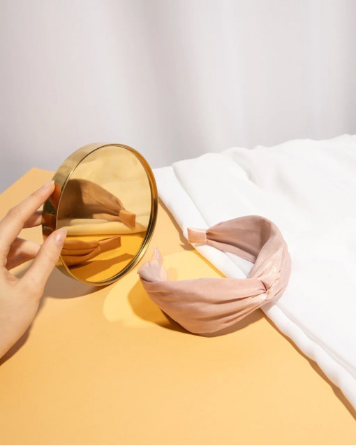 Ободок из легкого шифона розового оттенка