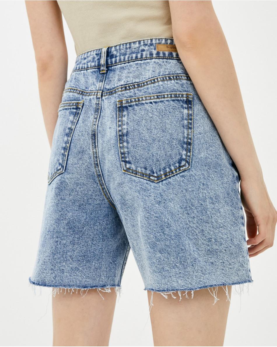 Шорты джинсовые с необработанным краем