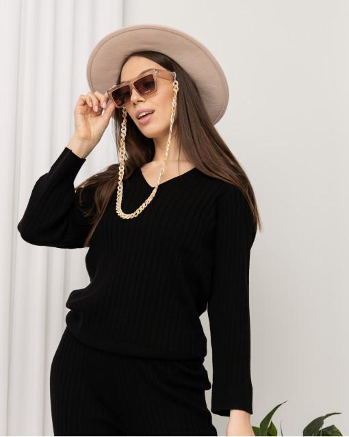 Шляпа с окантовкой  атласной лентой