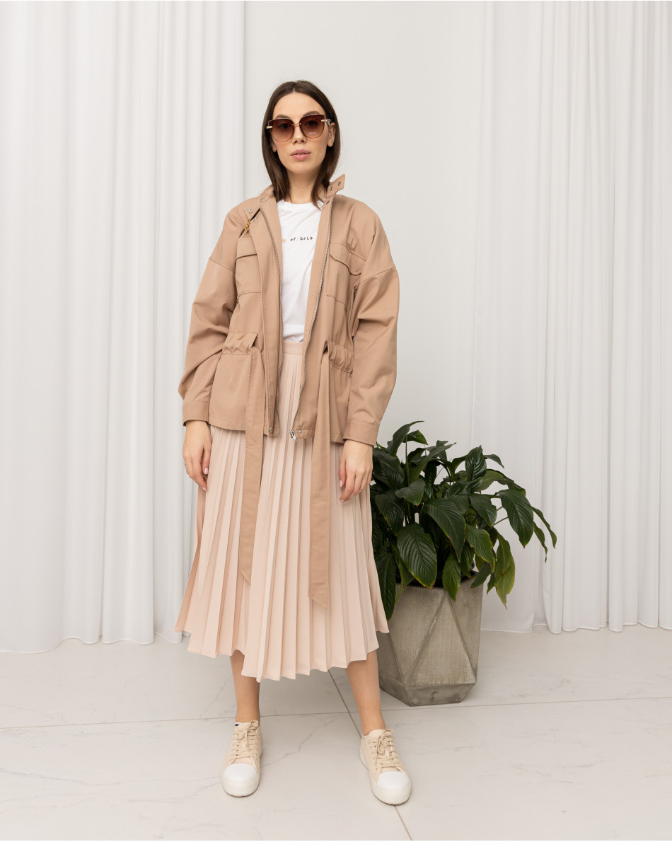 Куртка облегченная с воротником-стойкой с поясом