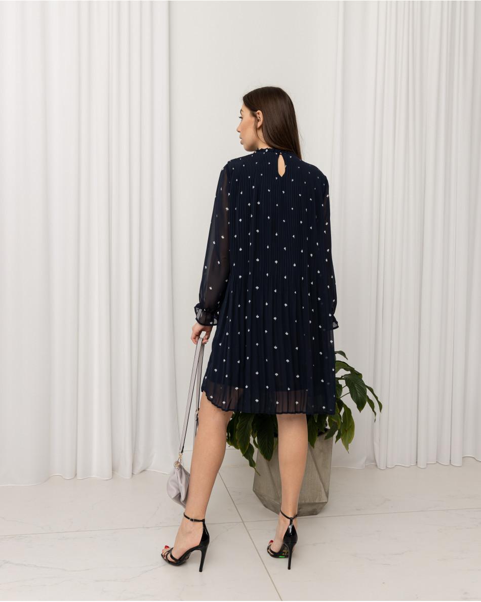 Платье-плиссе А-образного кроя с рисунком в виде веера