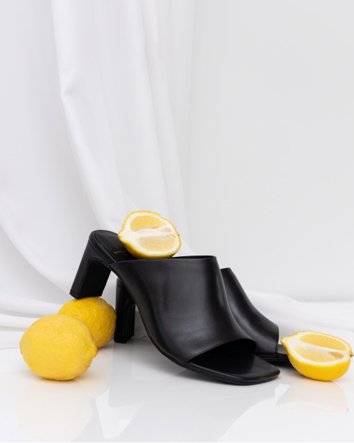 Сабо с открытым носком