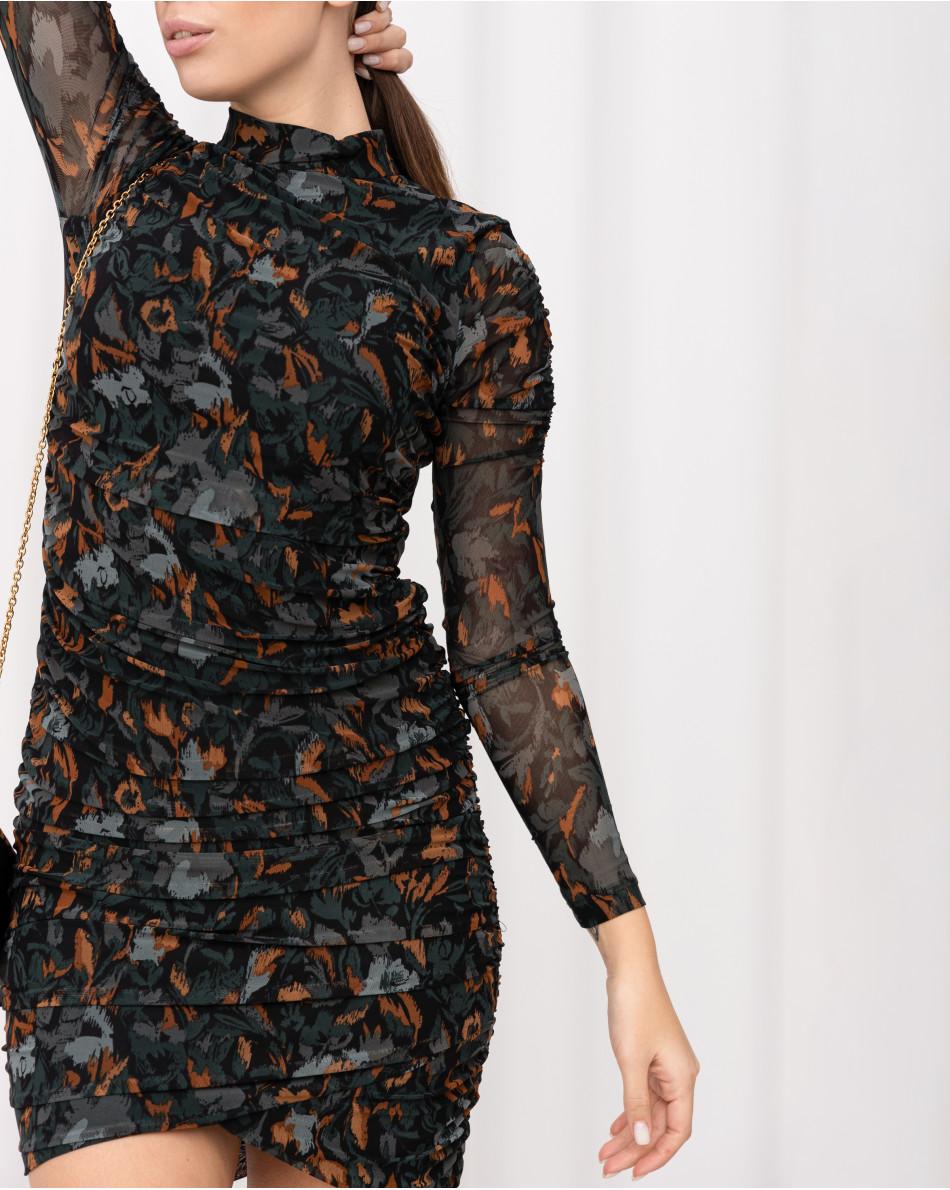 Платье из ткани-сеточки со сборкой