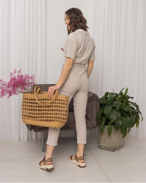 Комбинезон на пуговицах с карманами на груди и с поясом