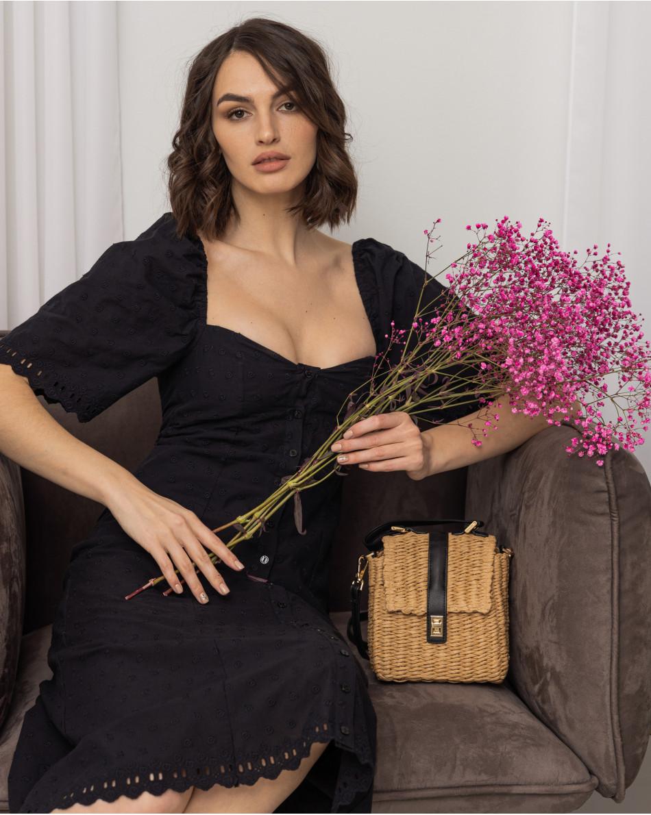 Платье с рукавами-фонарик на резинке с шитьем