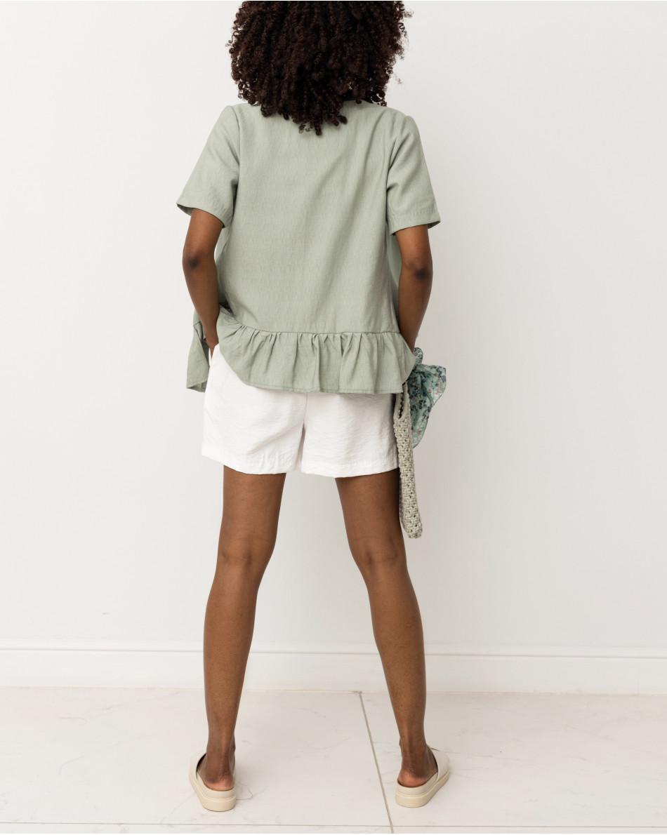 Блуза с воланом на пуговицах