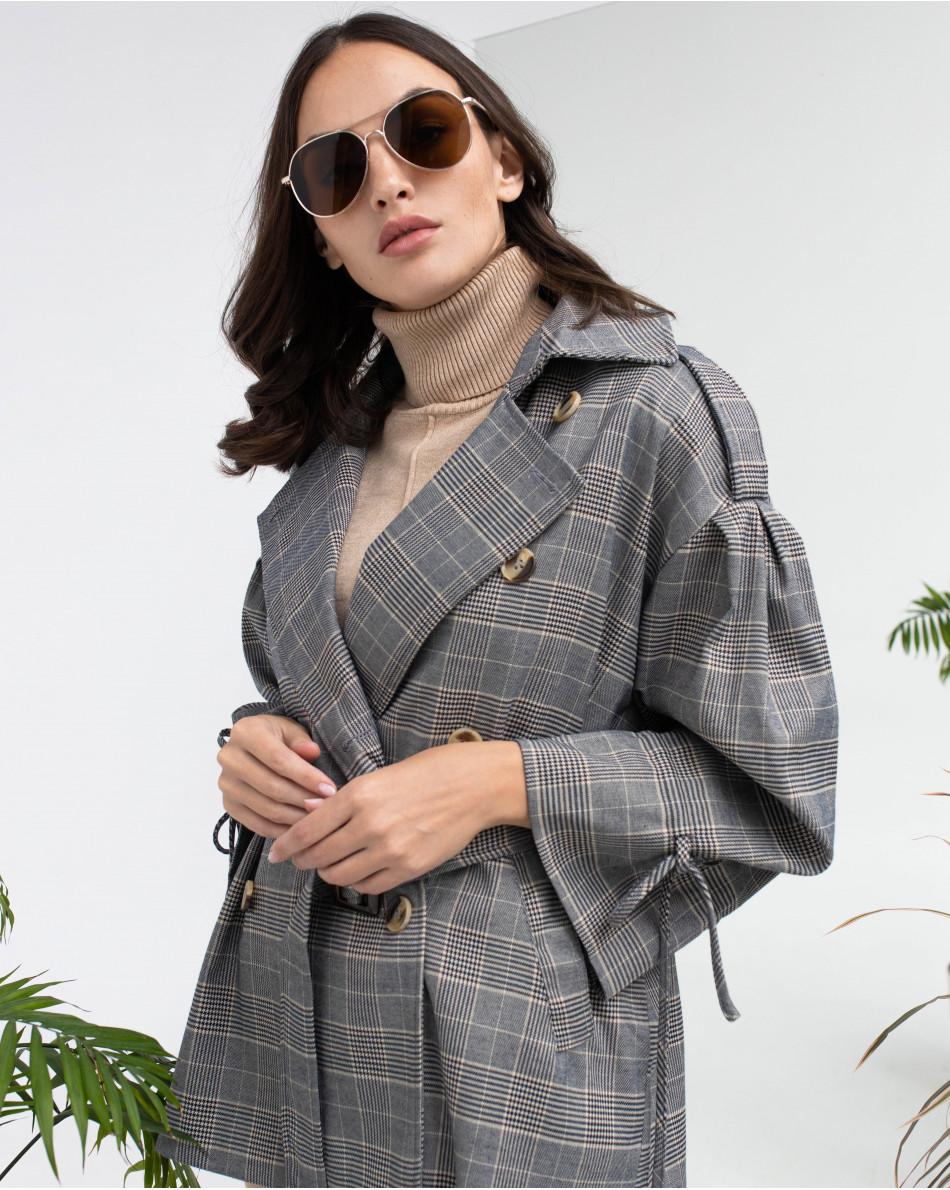 Куртка укороченная двубортная с поясом и завязками на рукавах