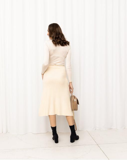 Юбка трикотажная А-образного силуэта с пуговками