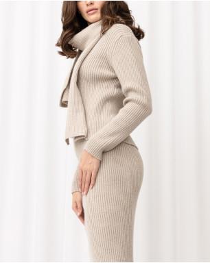 Комплект вязаный: джемпер с круглым вырезом, юбкой-карандаш и шарфом