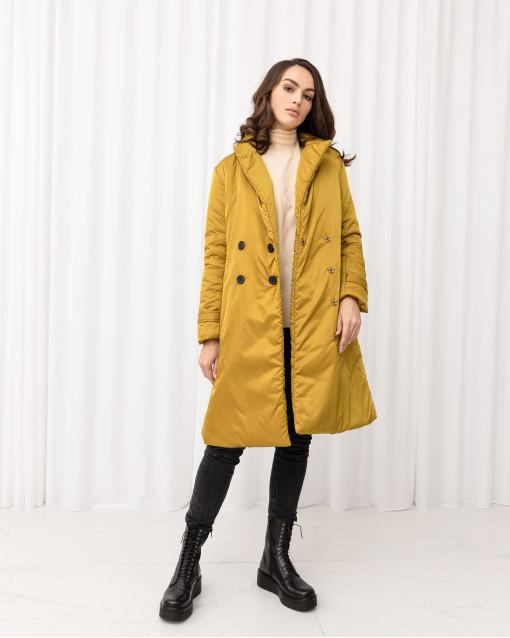 Пальто утепленное с накладными карманами и поясом