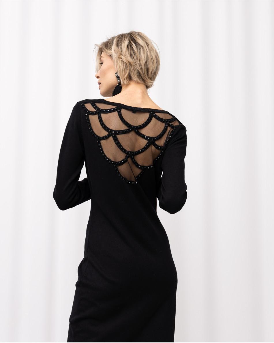 Платье трикотажное с красивой открытой спинкой из сетки с переливающимися черными стразами