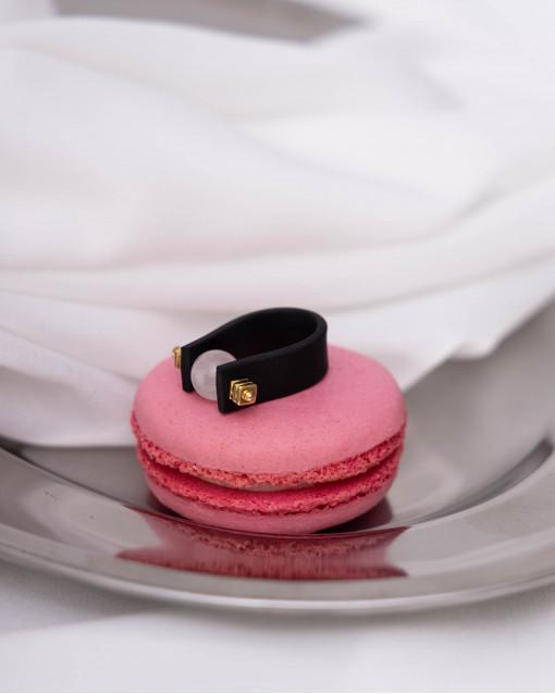 Кольцо из каучука с розовым кварцем