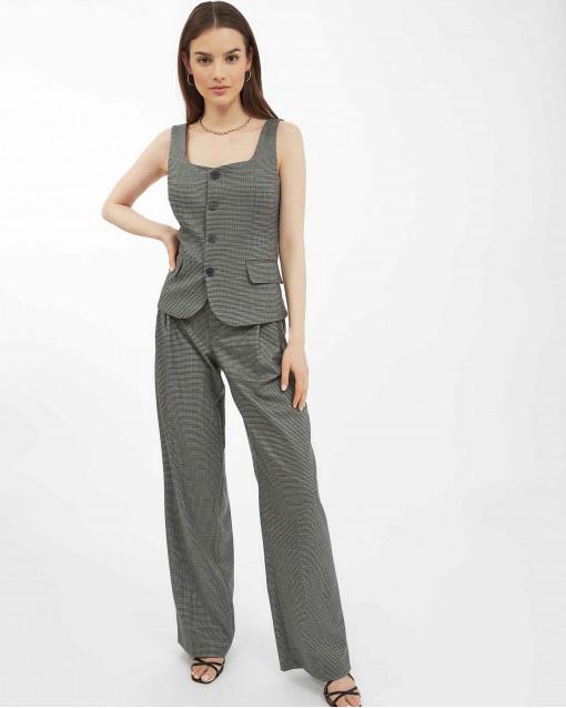 Костюм с жилетом и брюками