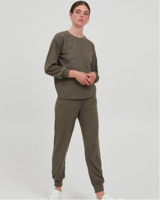 Костюм из тонкого трикотажа лонгслив + брюки